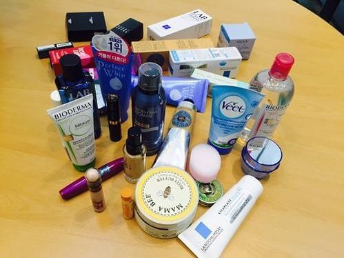 한국소비자연맹이 9일 정부세종청사 브리핑에서 공개한 수입 화장품들./사진=이윤정 기자