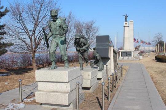 김종오의 신화가 시작된 춘천 전투를 기리기 위한 기념비. /6.25 전쟁 60주년 기념사업단 제공
