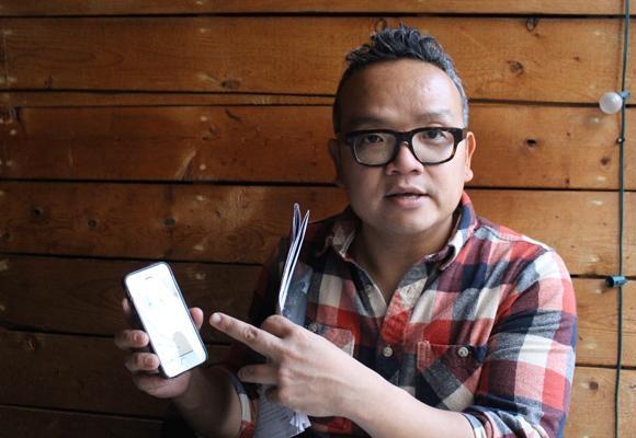 두이 린 투 교수는 저널리스트들이 '새로운 플랫폼, 새로운 스토리, 새로운 독자'를 치열하게 고민해야 한다고 강조했다. 그는 스냅챕 앱을 가리키며