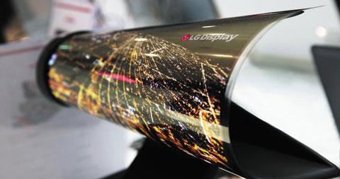 LG, 휘어지는 18인치 OLED 디스플레이 공개