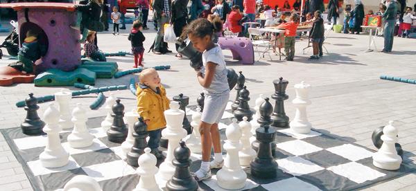 HCD가 기획한 질레트 광장은 해크니 지역 주민들의 놀이터이자, 사회적기업과 NPO들의 소통 창구다.