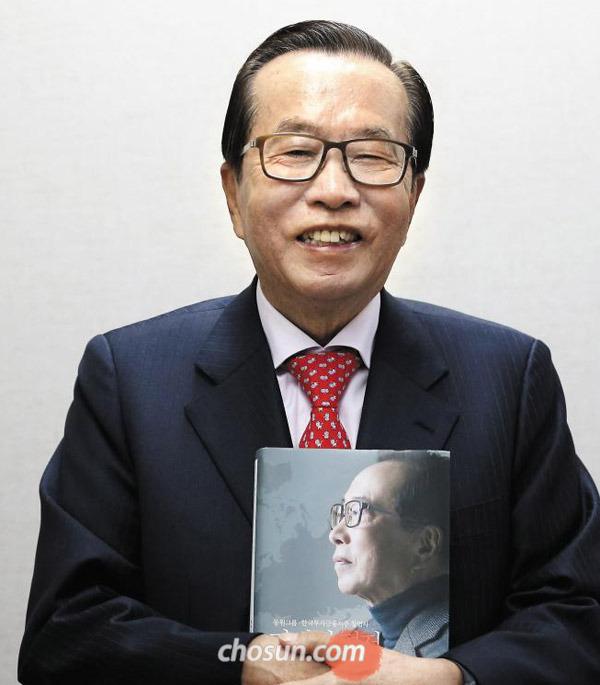 김재철 회장은 배우 강동원의 별명이 '강참치'라는 걸 아느냐는 질문에