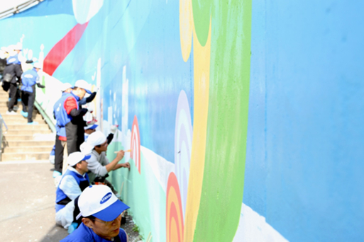 직원들의 예술 협업 프로그램은 화합과 소통의 잠재력을 무한대로 끌어올린다.