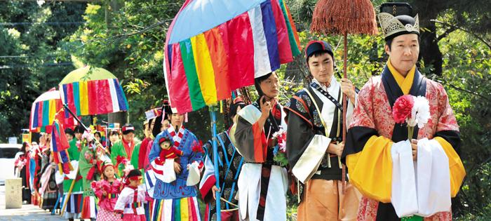 지난 1월 일본 사이타마현 히다카시의 고마군(高麗郡)에서 군(郡) 창설 1300년을 기념해 열린 고구려 전통 의상 재현식.