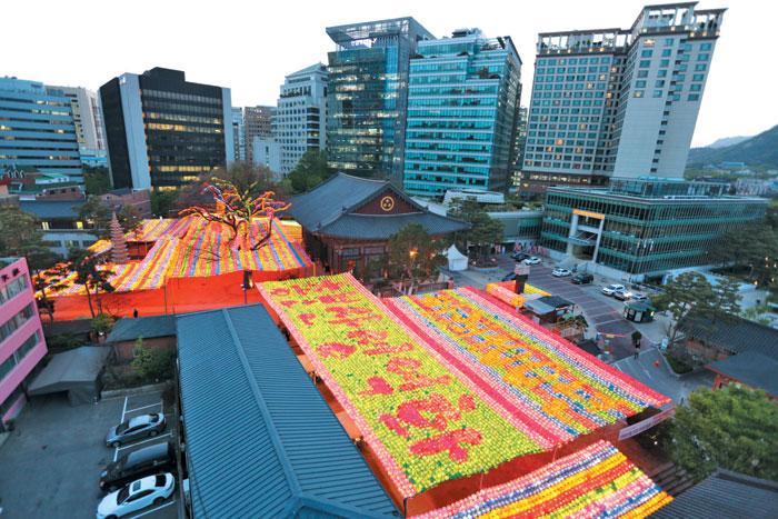 서울 종로구 조계사는 '한국 불교 1번지'라는 별칭에 걸맞게 조계종