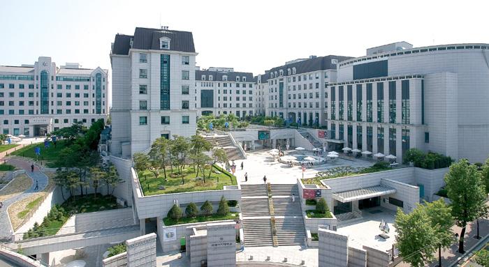 올해 아시아대학평가에서 의대 없는 중소규모 대학 순위 아시아 30위에 오른 숙명여대 전경.