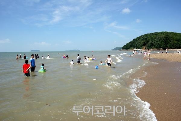 장봉도 옹암해변(사진=인천관광공사)