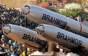 인도와 러시아가 공동 개발한 초음속 순항미사일 '브라모스'. 인도 정부는 이달 초 중국 접경 지역에 브라모스 100기를 배치하기로 결정했다.