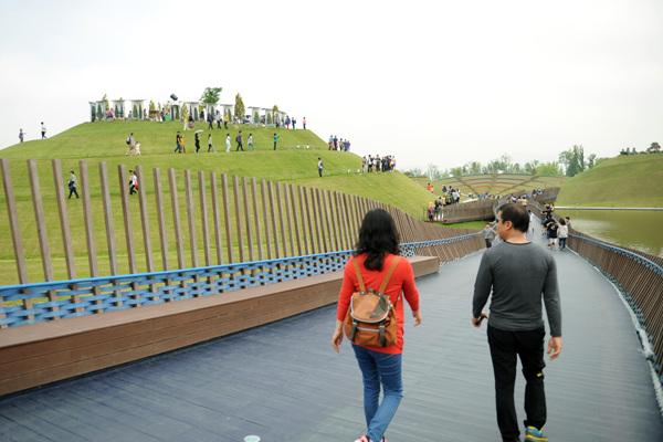 순천만 국가정원의 풍경. 이곳에서는 세계 각국의 정원을 만날 수 있다.
