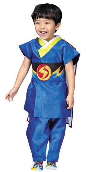 인기 캐릭터 번개맨 의상을 본떠 어린이 한복으로 만든'번개맨 한복'.