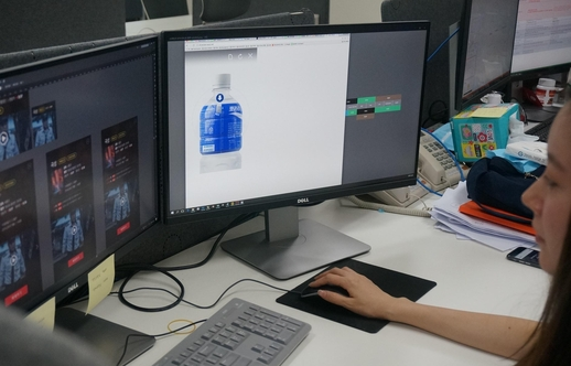 FSN은 카울리를 통해 광고상품을 모바일에서 어떤 방식으로 디자인하고 배치해야 광고 효과가 나는 지를 연구하고 서비스에 반영한다. 연구개발 및 디자인팀은 5층 사무실에 배치돼있다.
