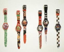 멘디니의 손길로 컬러와 장식이 한층 더 유쾌해진 스와치 시계./사진 제공=아틀리에 멘디니