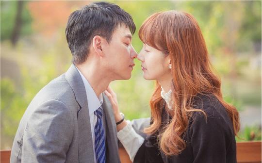 '다시, 첫사랑' 명세빈♥김승수, 아련하고도 애틋한 키스