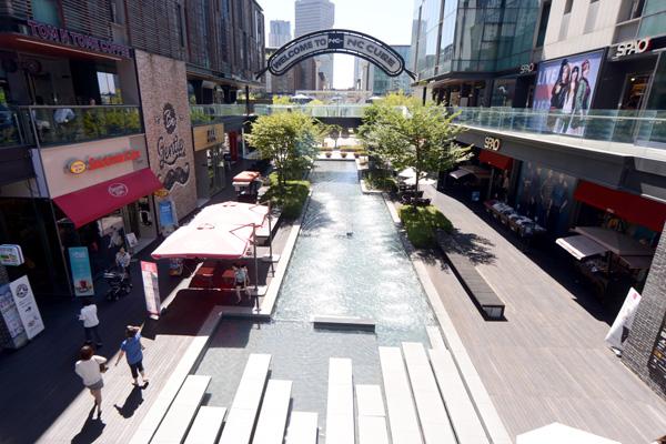 유럽형 쇼핑 스트리트로 꾸며져 있는 NC큐브커넬워크