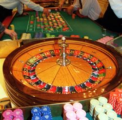 제주도의 한 유명 호텔에 있는 외국인 전용 카지노. 숫자에 베팅을 하는 룰렛 게임의 모습이다.