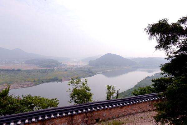 나주 영상테마파크 위에서는 영산강과 나주평야의 멋진 풍경을 볼 수 있다