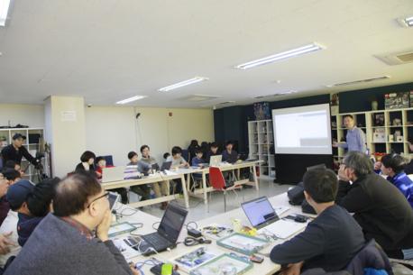 IT조선 '코딩 아카데미'는 다양한 부품과 재료를 활용해 흥미있는 창작활동이 진행된다.  / IT조선 DB
