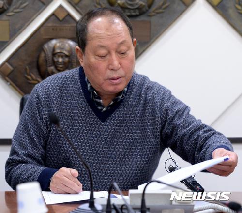 """""""오승환 필요한 선수, 계속된 돌발 변수"""" 깊어지는 김인식의 고민"""