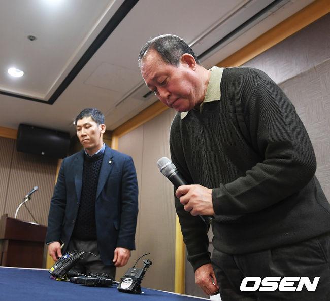 [사진]김인식 감독, 'WBC 대표팀, 많은 성원 바랍니다'