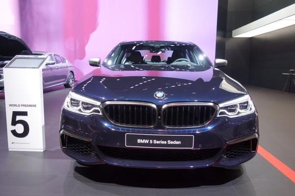 BMW 신형 5시리즈의 전면부/진상훈 기자