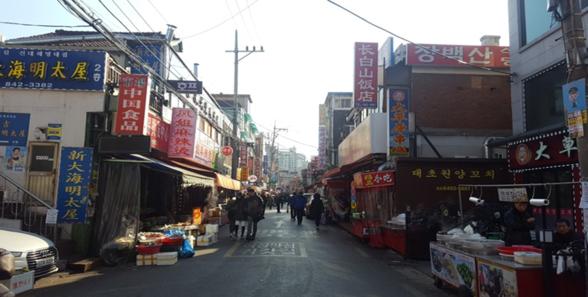 곳곳에 중국 음식 전문점이 들어선 차이나타운의 상가 임대료는 5년 만에  4배가량 상승했다./강민지 인턴기자