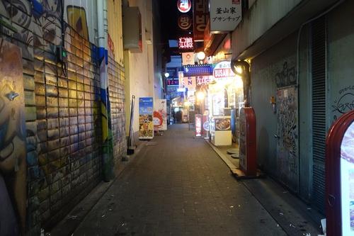 주말 저녁에도 음식점들이 있는 골목이 한산하다. /최문혁 기자