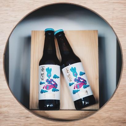 2017 대한민국 주류대상 크래프트 에일 맥주 부문 대상을 수상한 국민IPA. / 더부스 제공