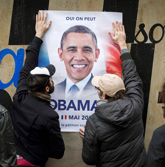 지난달 27일 프랑스 파리 시내에 버락 오바마 전 미국 대통령을 대선에 출마시키자는 포스터가 붙어있다.