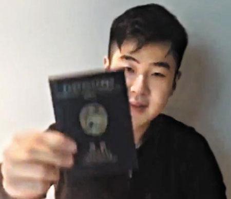 '천리마 민방위'라는 단체가 지난달 13일 말레이시아 공항에서 살해당한 김정남의 아들 김한솔이 등장하는 40초 분량 영상을 8일 유튜브에 공개했다.