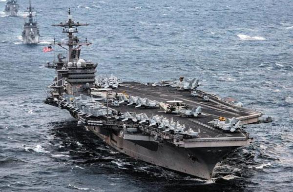 미국의 핵 추진 항공모함 칼빈슨호가 한·미 연합 독수리(FE) 훈련에 참가하기 위해 지난 9일 동중국해를 통과해 한반도로 향하고 있다.