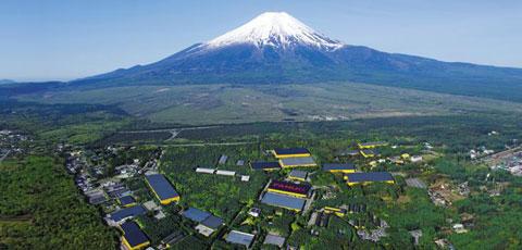 해발 1000m 일본 후지산 기슭의 1.7㎢(약 51만평) 숲 속에 위치한 화낙 본사와 연구소, 공장.
