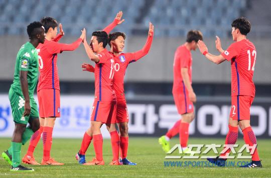 [포토] U-20 축구대표팀 '잠비아 상대 4대1 대승'