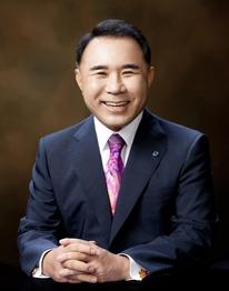 윤홍근 제너시스BBQ 그룹 회장, 한국외식산업협회 6대 상임회장 취임