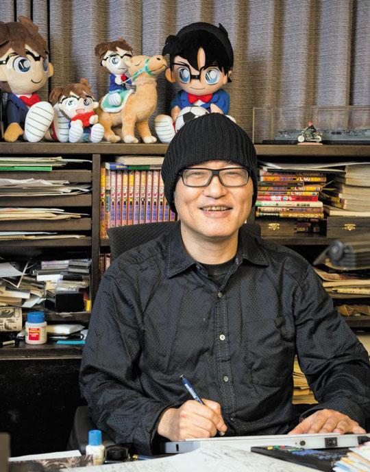도쿄 작업실의 아오야마 고쇼.