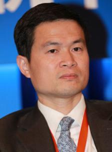 상하이 원유선물 거래를 연내 개시하겠다고 밝힌 팡싱하이 중국 증권감독관리위원회 부주석/바이두