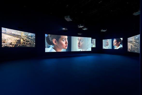 영국 출신의 필름 아티스트 아이작 줄리언의 비디오 설치 작품 '플레이타임'./사진제공=루이까또즈