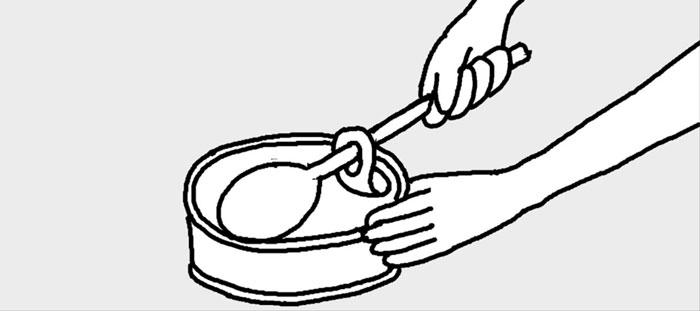 [리빙포인트] 통조림 캔 안전하게 따는 법