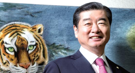 """김용만 회장은"""" 김가네를 23년 넘게 장수 브랜드로 키운 것은' 음식의 기본은 맛'이라는 초심과 원칙을 지켜왔기 때문""""이라고 말했다. / C영상미디어 이신영"""