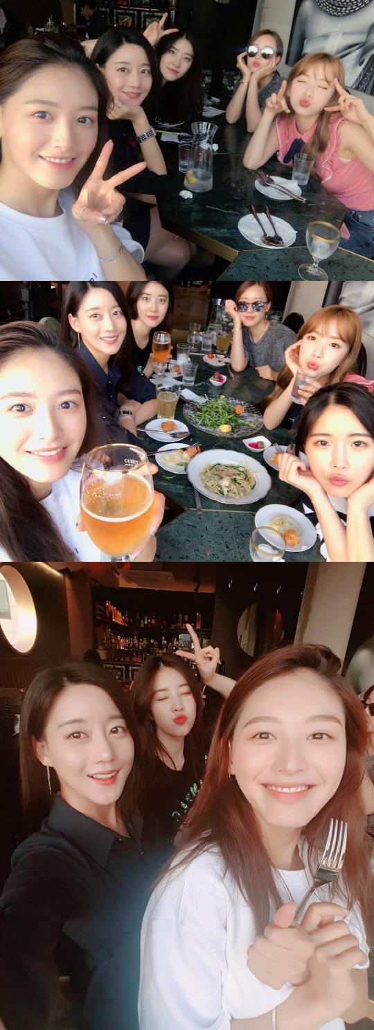 """""""우리 우정, 영원해""""…레인보우, 유쾌발랄 맥주파티"""