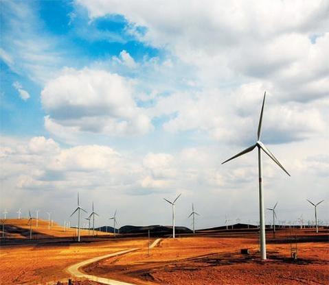 한국전력이 내몽고자치구 초원지대에 설치한 풍력발전기의 모습 / 한국전력 제공