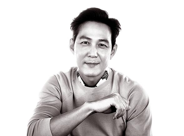 24년차 배우 이정재. 지난 5월 31일 개봉한 영화 '대립군'의 용병 역할을 맡아 새로운 전기를 열고 있다.