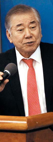 문정인 통일외교안보 대통령 특보가 16일(현지 시각) 미국 워싱턴DC 우드로윌슨센터에서 열린 제5차 한·미 대화 행사에 참석해 연설하고 있다.