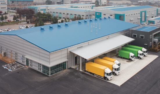 크린토피아는 경기도 안성에 하루 최대 50t의 세탁물을 처리할 수 있는 국내 최대 규모 의료세탁 공장을 운영하고 있다./ 크린토피아 제공