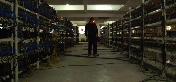 IT 전문지 마더보드가 촬영한 중국 비트코인 채굴장의 모습 /마더보드 유튜브 캡처