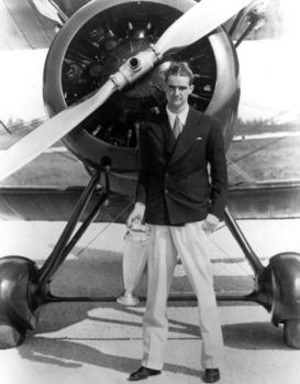 20세기 최악의 경영자 중의 한 사람으로 평가받는 하워드 휴즈. 그는 지독한 자기중심주의자였다.