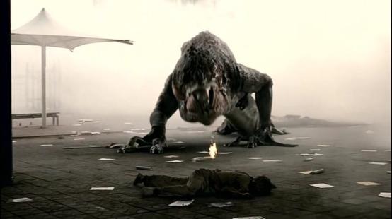 천만 관객을 돌파했던 봉준호의 2006년 작 '괴물'. 한강에 방류된 포름 알데히드를 먹고 자란 괴물과 한 가족의 사투를 그렸다.