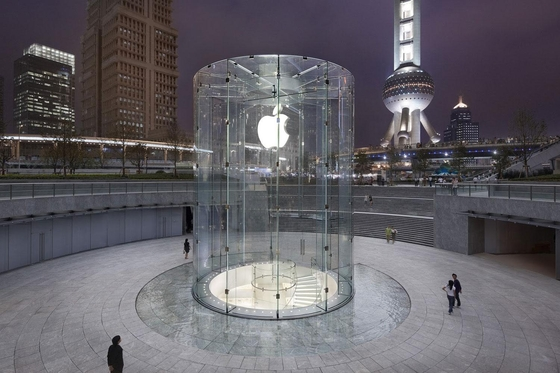 중국 선전에 위치한 애플스토어의 모습