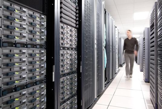 [아슬아슬 빅스비]⑤ 中 빅스비, 개발 지연에 새 보안법까지 '발목'…애플처럼 데이터센터 만들어야 하나