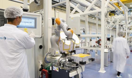 툴루즈 원 웹 위성 생산 공장. / 원 웹 홈페이지 캡처