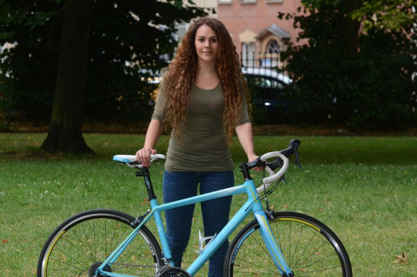 제니와 그가 다시 훔친 자신의 자전거/브리스톨 포스트